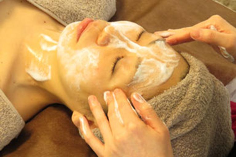 4.プロフェッショナル肌質別洗顔